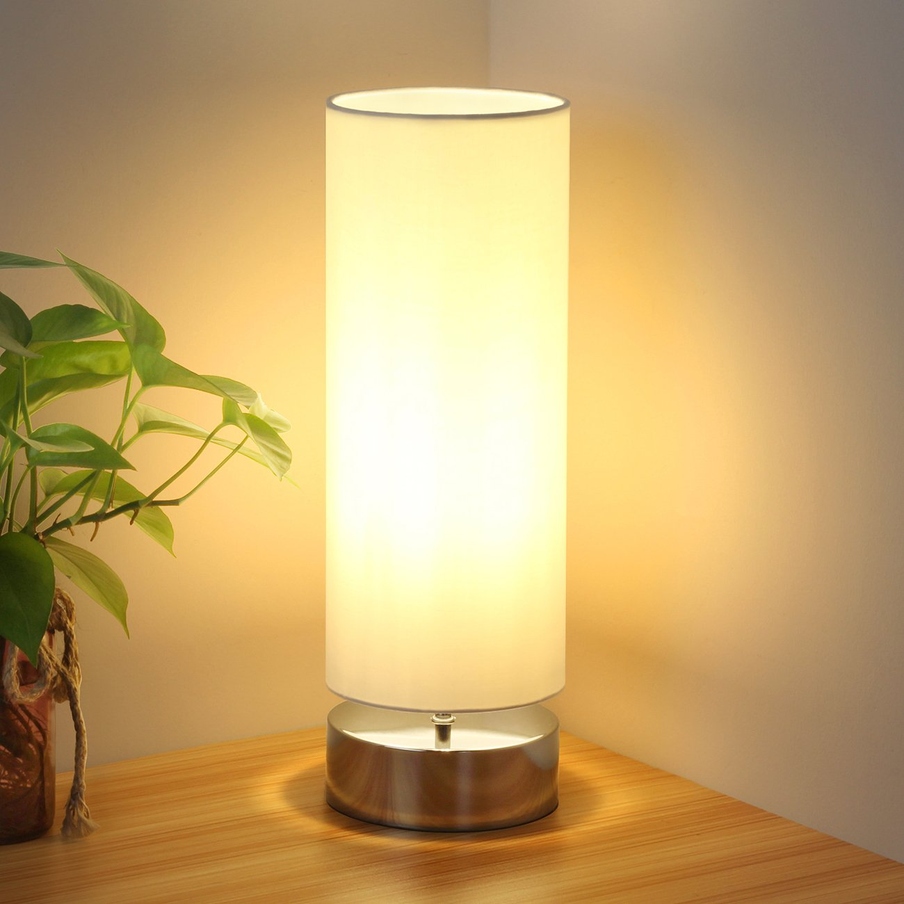 ​Bulb Touch Lamp with cylinder shade